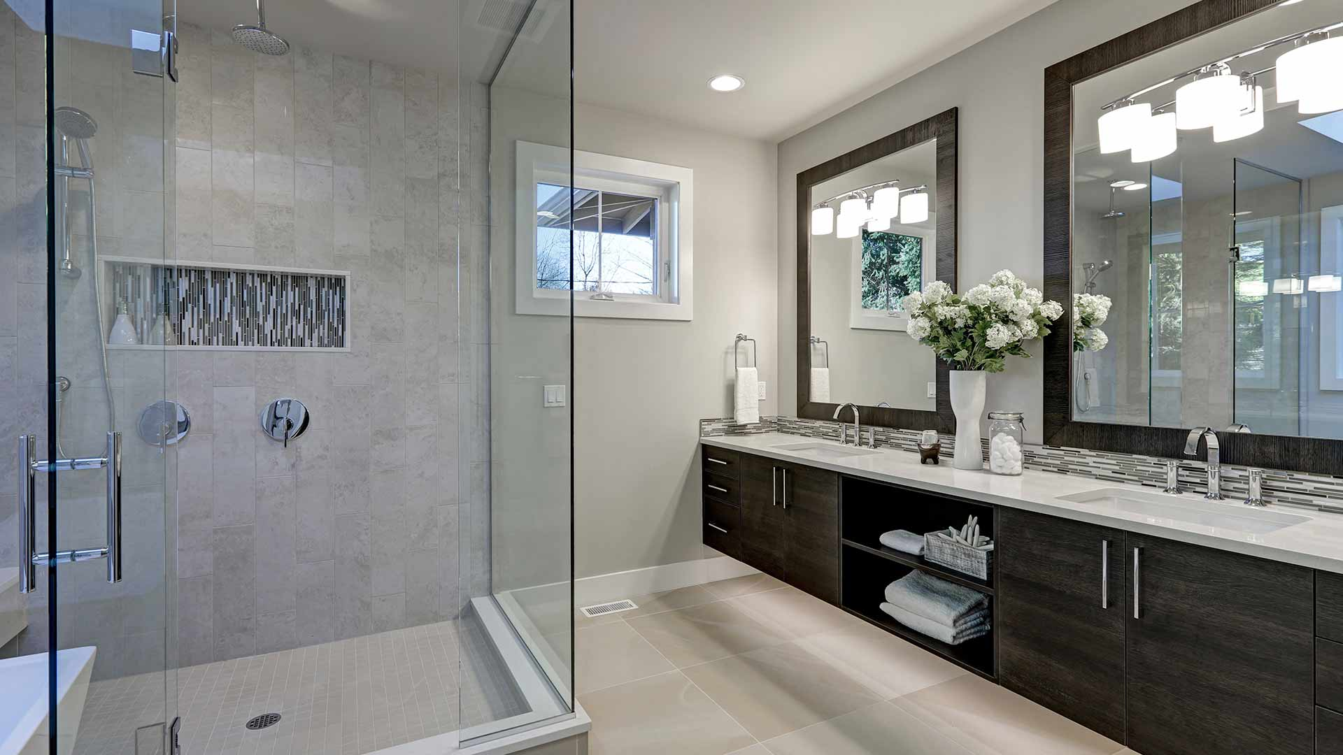 Install a frameless shower in your Tuscaloosa, AL home